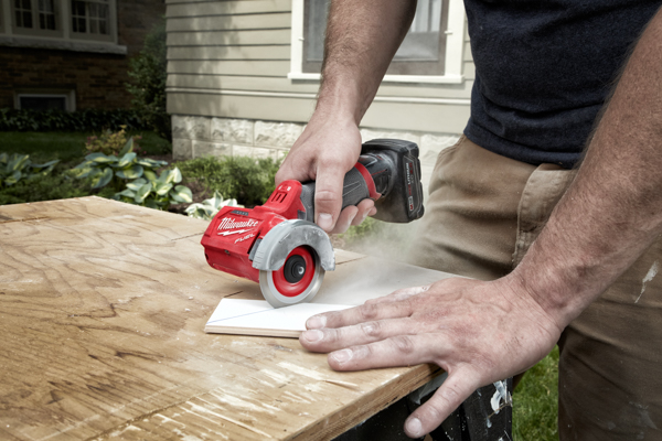 Milwaukee Compact Cut Off Tool -7