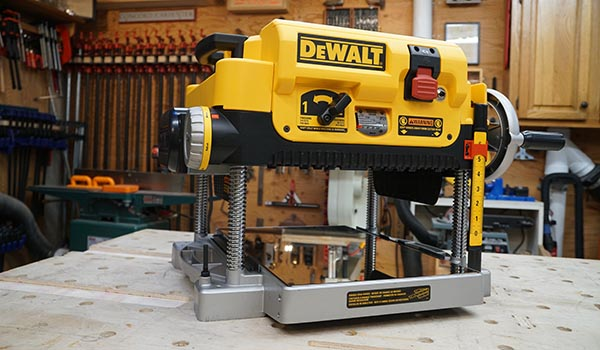 Best Benchtop Thickness Planer - Head-to-Head - Tool Box