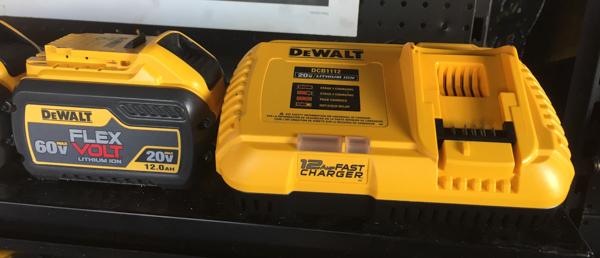 Dewalt Tools WOC2020 DCB1112