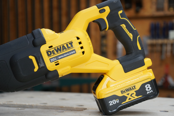 DEWALT 20 Volt XR Reciprocating Saw With Power Detect