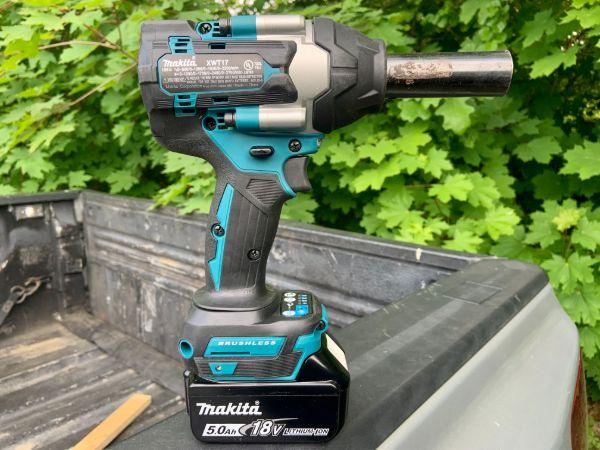 Makita XWT17 Impact Wrench
