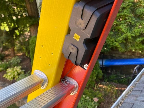 Werner GLIDESAFE Extension Ladder